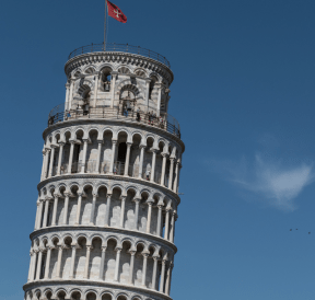 Leaning Tower of Pisa reflecting Leaning Tower of feetza contest. Photo credit: Marco Ceschi