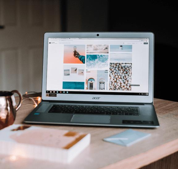 Top ten blog popular articles posts on laptop. Photo: Anete Lusina